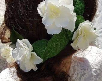 White flower trellis hairpiece