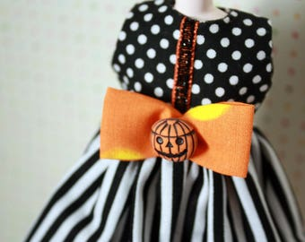 SALE! The Pumpkin Queen / One-of-a-Kind Doll Dress for Blythe