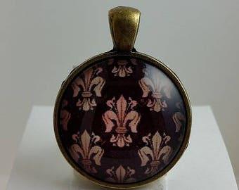 Vintage Fleur De Lis Glass Cabochon Pendant