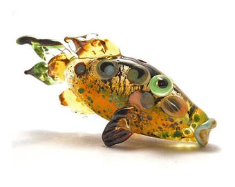Shiny trout glass fish necklace, lampwork glass bead, golden & green handmade pendant, designer organic ocean focal bead, art glass