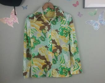 Vintage 70s lady and vases novelty print blouse - hippie - butterfly collar - button down shirt