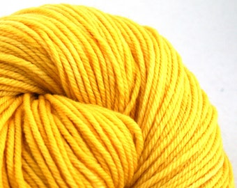 Windham 100% US Merino Hand Painted worsted weight 220 yds 201m ~4oz 113g Daffodil