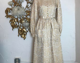 1960s gown hostess gown 60s dress size small Vintage dress gold dres maxi dress Brocade gown dress with pockets 27 waist
