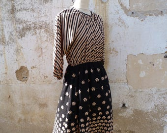 Vintage 1970/70s French light polyester  printed mix of stripes & floral dress size S