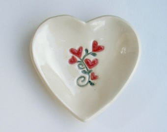"Valentine,Ceramic Heart Plate, Heart Bouquet, 3 1/4"", Hand Built Handpainted"