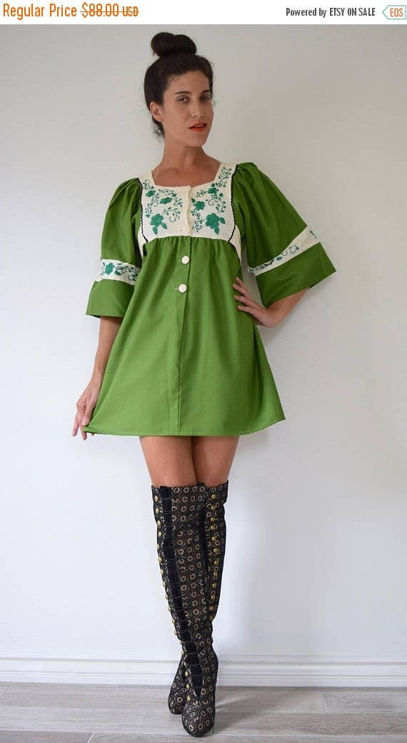 SUMMER SALE / 20% off Vintage 70s Avocado Green Crisp Cotton Babydoll Dress with Box Sleeves and Floral Embroidery (size small, medium)