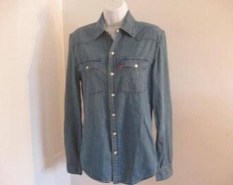 Vintage Levis Denim Shirt Snap Front Ladies Denim Shirt Jean Shirt size Small Petite