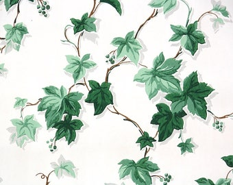 1940s Vintage Wallpaper by the Yard - Green Ivy on White