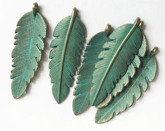 6 pcs of Antique Brass long leaf pendant 44x14mm, green bronze leaf pendant, Verdigris Patina