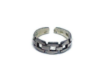 Sterling Silver Ring - Detailed Chain Design Band Toe Ring or Adjustable Finger Ring - One Size Fits Most - Bella Mia Beads - READY TO SHIP