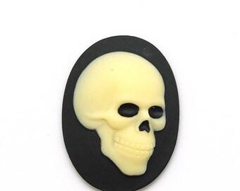 Cabochon 40x30mm - resin - cameo - skull