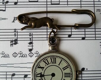 ♥ ♥ Rabbit brooch and clock ♥