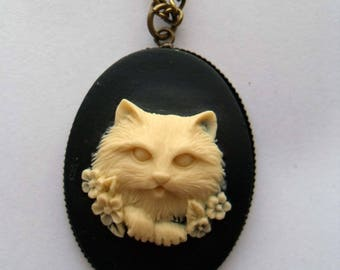 Ivory fluffy kitten on black cameo necklace. Kitty pendant. Cameo jewelry. Cat jewellery. Black necklace. Cat lover gift. Cat jewelry.