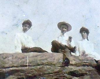 Cabinet Cards - Interesting Pair of Photos Featuring Rock-Climbing Victorians - Hiking, Women's Sports, Climbing, Men, Women, Antique