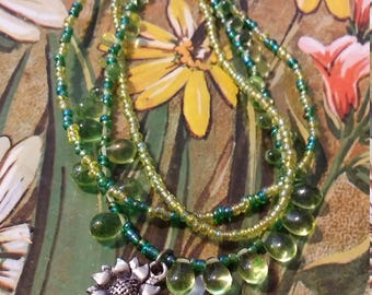 Green 3 strand bead and glass necklace