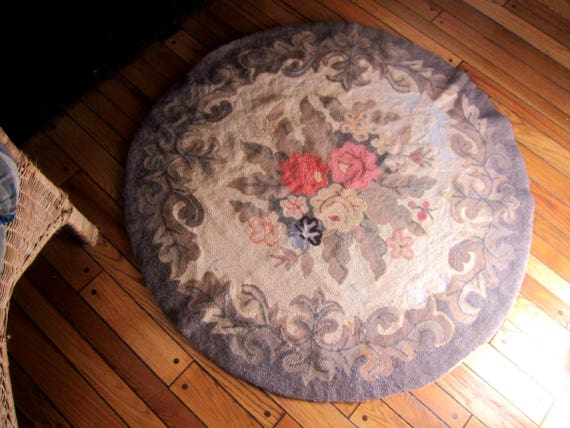 Vintage Hand Hooked Rag Rug Round Antique Floral Hook Circle Throw Rug Primitive Shabby Chic Home Decor 44 inches AS IS
