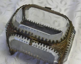 christmasinjuly Antique Jewel Casket with Thick Beveled Glass and Brass Framework