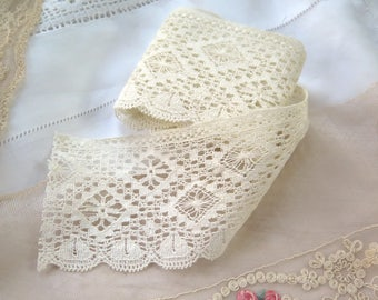 "Antique Bobbin Lace Trim  in Linen 31-1/2"" x 2-3/4"""