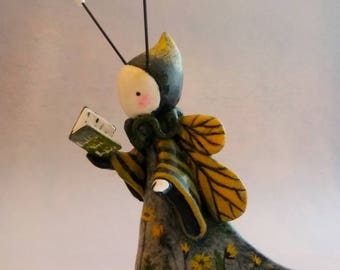 Fairy Goodreader of Bees - Reading Ray Bradbury's Dandelion Wine #1/25