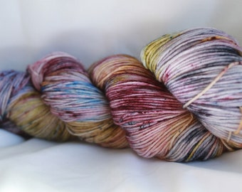 CLOCKED OUT - Speckled super wash merino nylon sock 100 grams 463 yds 75, 25