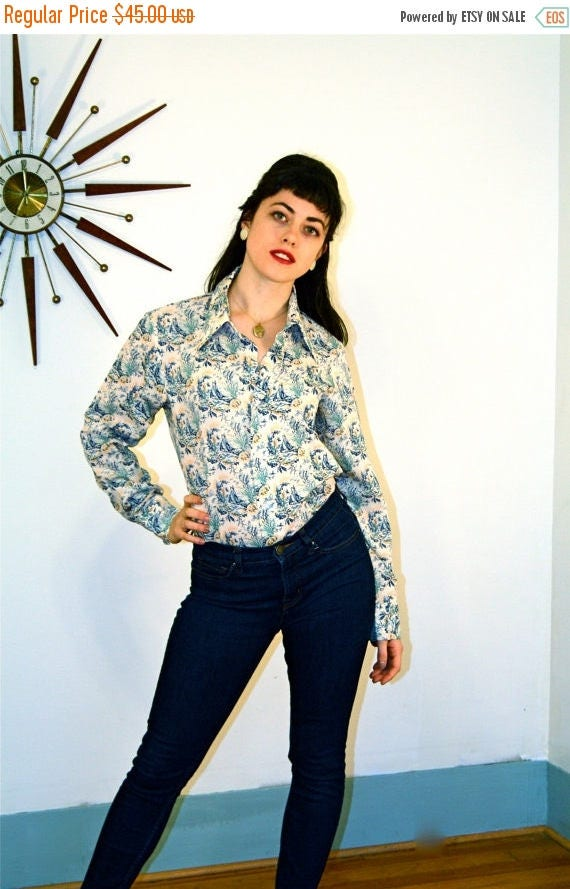 SALE 50% OFF Vintage 70s LEVIS Novelty Print Blouse Nautical Sail Boats Shell Navy Blue Long Sleeve Shirt Butterfly Collar Button Down 1970s