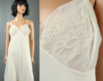 ON SALE Vintage Vanity Fair Full Slip 36 Vintage Off White Cream Chiffon Lace Cups Sz M Free Us Shipping