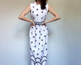 White Maxi Dress Vintage Clothing Long Boho Sundress Black White Hippie Dress White Summer Dress - Medium M