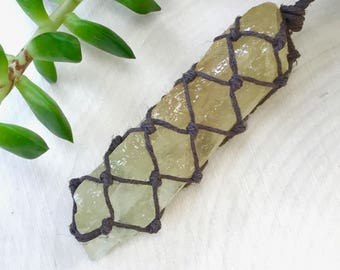 Green Calcite Necklace - Healing Crystal Necklace - Earthy Green Stone Necklace - Earth Tone Necklace - Sea Green Pendant - Hippie Necklace