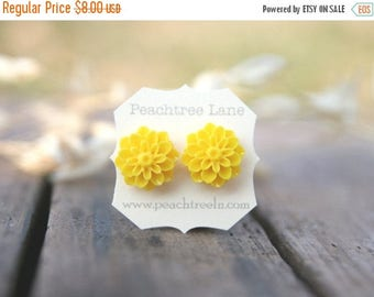 CHRISTMAS in JULY SALE Bright Yellow Chrysanthemum Flower Earrings // Bridesmaid Gifts // Maid of Honor Gifts // Vintage Country Wedding