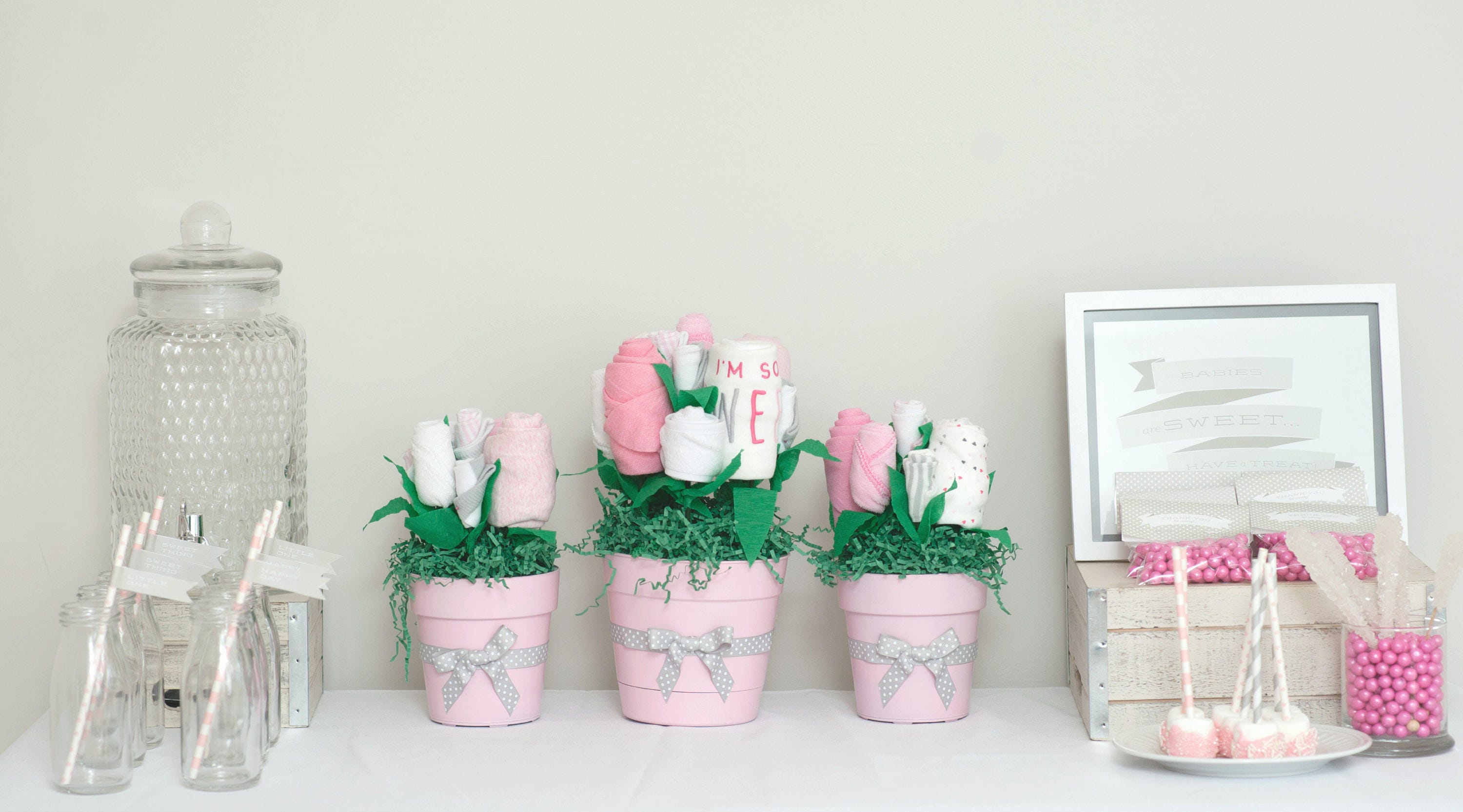 Baby shower table centerpieces baby shower decorations for Baby shower decoration packages