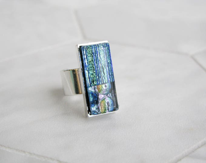 large dichroic glass ring, multicoloured glass, statement ring, costume jewelry, avant garde, gift for her, rectangle glass cocktail ring
