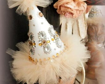 Les Bijoux. Party Hat Headband in Cream and White
