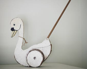 Antique Swan Push Toy (pick up only)