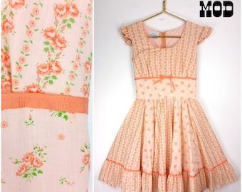 Beautiful Vintage 60s Peach Floral Square Dance Goth Lolita Circle Skirt
