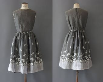 Rose dress | Grey organza floral embroidered dress | 1950's by cubevintage | small