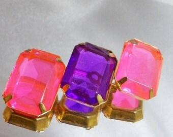 SALE Vintage Pink Purple Rhinestone Brooch. Pink Purple Three Stone Rhinestone Pin.