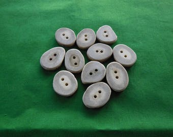 11 Antler Buttons lot 165