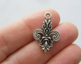 6 Fleur de lis charms antique silver tone WT191