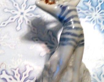Precious  Bathing Beauty Figurine