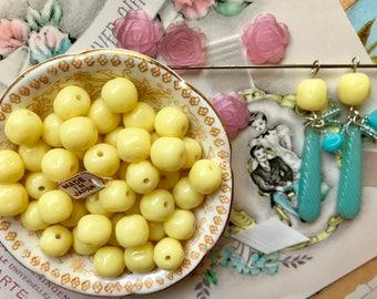 20 Vintage Cherry Brand, Miriam Haskell Glass Beads 10x9mm, Lemon Yellow, Opaque yellow Beads, baroque, Lemons, vintagerosefindings,  B63