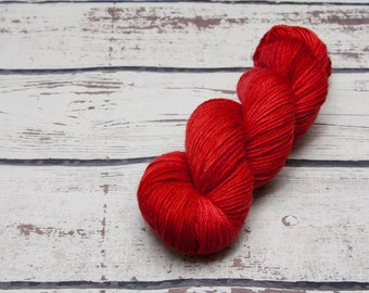 Rojo semi solid yarn - Hand dyed wool yarn, red, one of a kind, tonal, wool, yarn, worsted