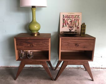 MID CENTURY MODERN Style Pair of Nightstands