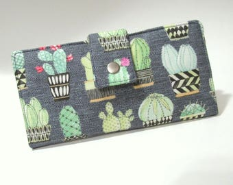 Handmade women's wallet clutch - Cactus hoedown - blooming flowers of the desert - custom order - purse - Gift for her  - ID clear pocket