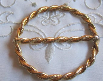 Vintage Gold Tone Round Scarf Slide in Twisted Rope Design