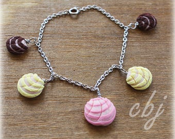 Pan Dulce Bracelet, Concha Bracelet, 5 concha dangle bracelet, Stainless steel