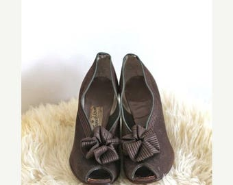 AWAY SALE 20% off vintage 30s shoes - RIBBON Bow brown twill peep toes / sz 6