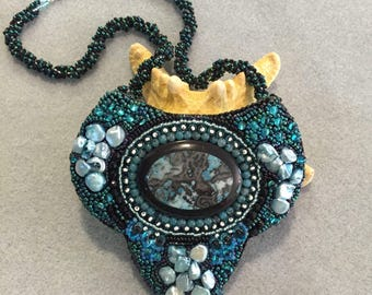 Kit and Pattern The Shield or Holly's Cab bead embroidery necklace