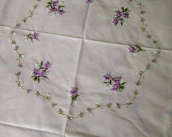 Very Pretty Embroidered Tablecloth ~ Violets