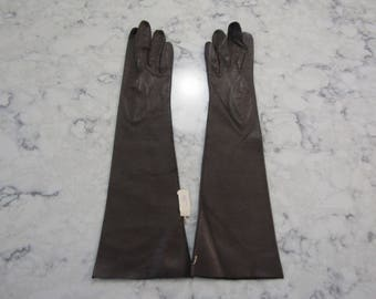 "Vintage NOS New Unused Unworn NWT's Taupe Kid Leather 14.5"" Gloves---Size 6---Glove Auction # 5098-1217"