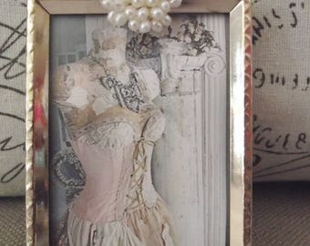 Picture Frame - 2 x 3 Goldtone Vintage Metal Picture Frame with Beautiful Pearl Jewel